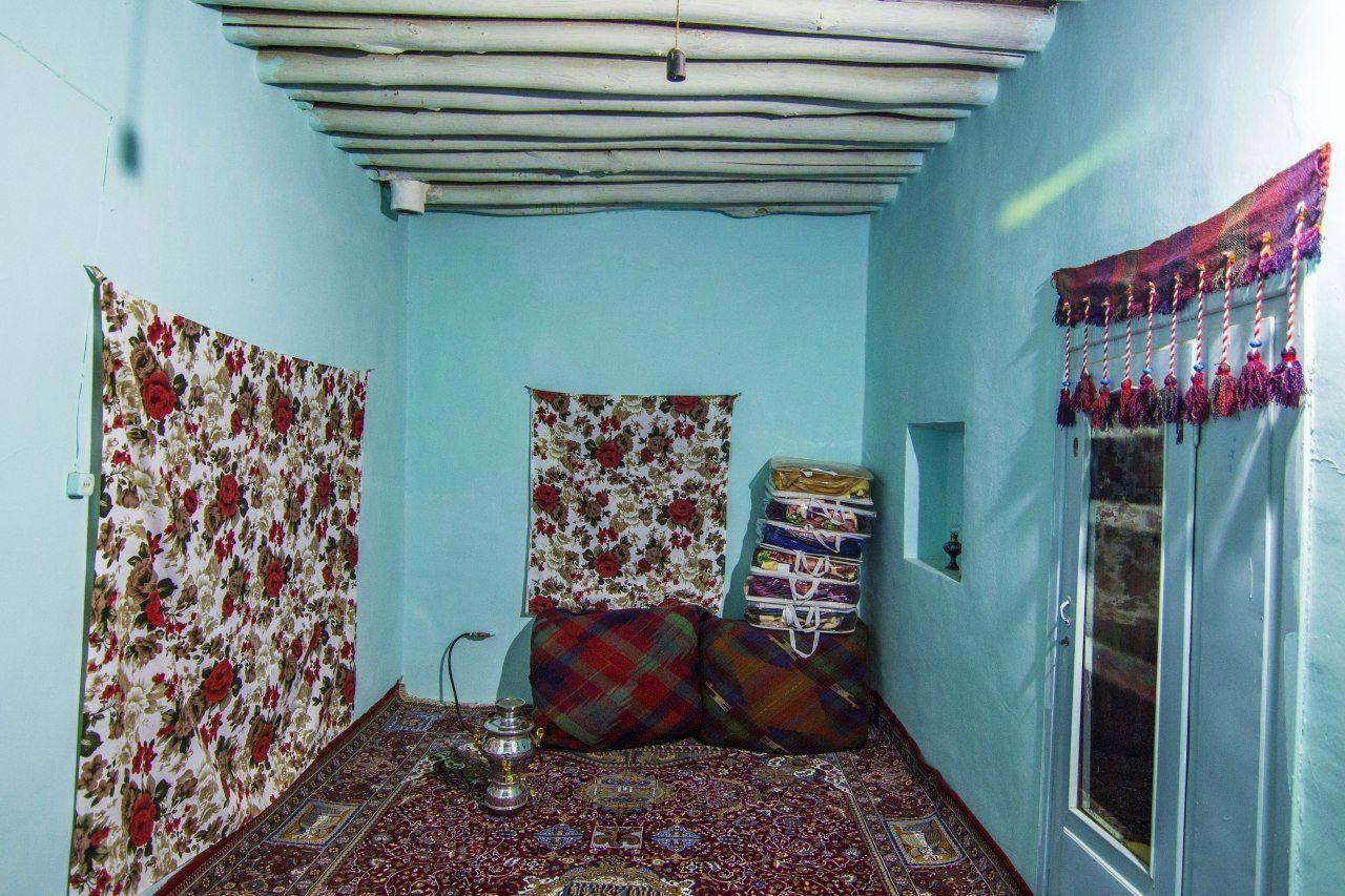 اقامتگاه بومگردی آرتین دینور کرمانشاه در روستای کردتویج شهرستان صحنه