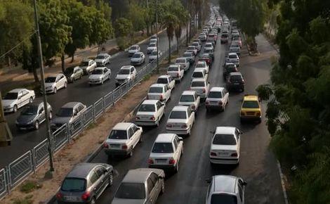 ترافیک فوق سنگین در محورهای هراز و فیروزکوه / هم وطنان سفر خود را به فردا موکول کنند
