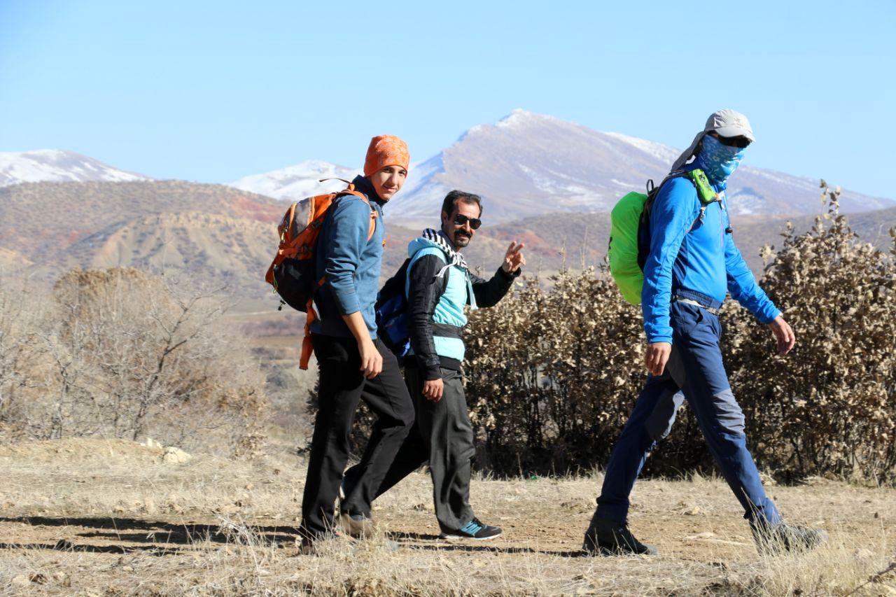 برگزاری همایش کوهپیمایی خانوادگی یادواره عادل الیاسی در گهواره