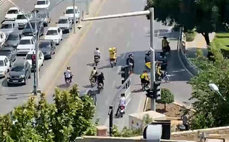 حضور هواداران سپاهان مقابل هتل پرسپولیس + فیلم