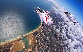 پرواز حیرت انگیز انسان در میان ابرها+فیلم