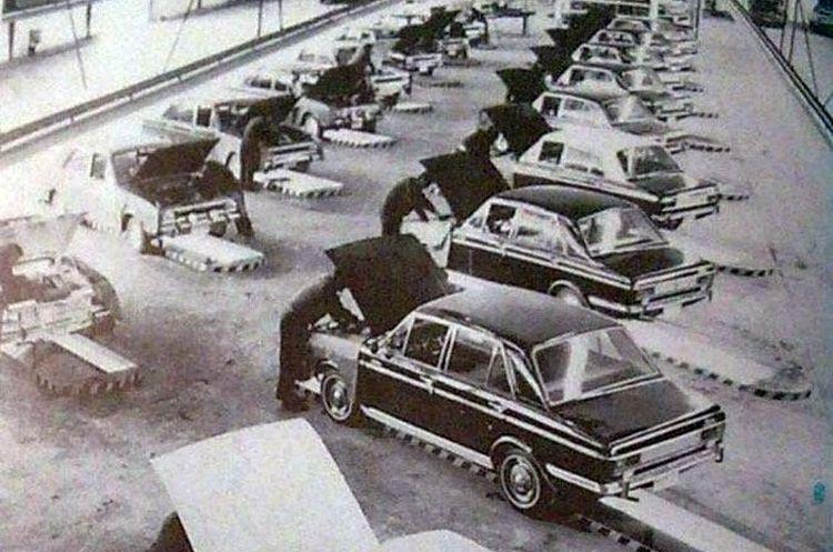 خط تولید پیکان در دهه 40