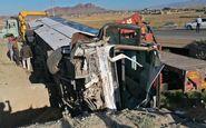 واژگونی اتوبوس مسافربری در کمربندی تربت حیدریه با ۱۲ مصدوم/ حال یکی از مصدومان وخیم است