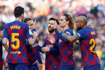 باشگاه بارسلونا تصمیم به کم کردن حقوق بازیکنان و کارمندان گرفت!