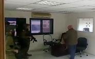 یورش نظامیان رژیم صهیونیستی به ساختمان خبرگزاری رسمی فلسطین + فیلم