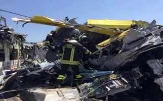 تصادف مرگبار قطار با کامیون + فیلم