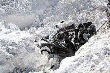 سقوط بهمن در جاده کرج - چالوس یک کشته برجای گذاشت