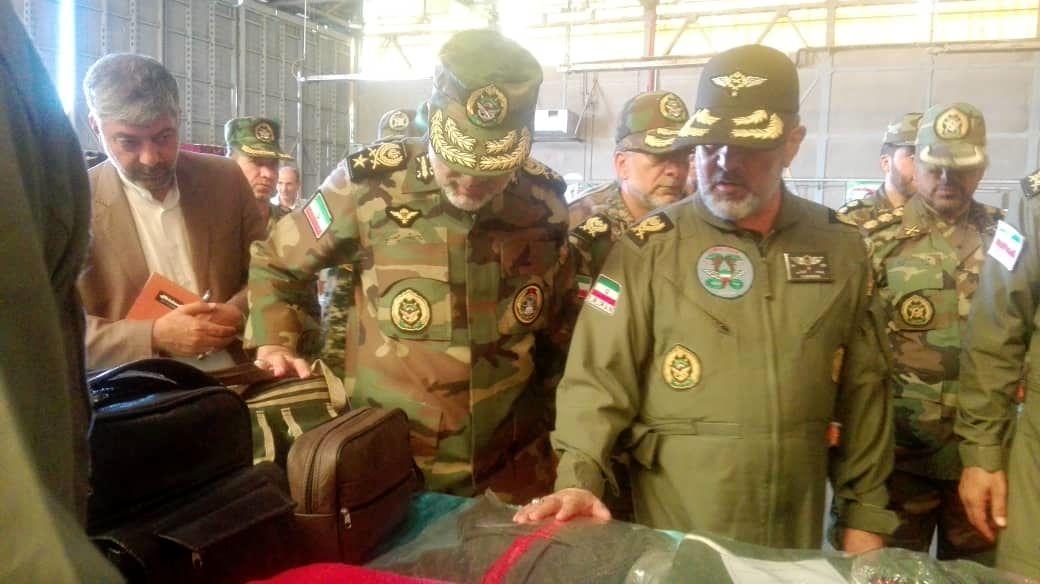 بازدید فرمانده نیروی زمینی ارتش به همراه فرمانده هوانیرز از نمایشگاه دستاوردهای هوانیروز کرمانشاه به روایت تصویر