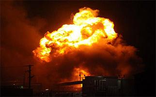 جزئیات حادثه انفجار خودرو در جایگاه CNG جاده قدیم کرج + فیلم