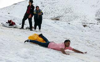 تفریحات زمستانی در ارتفاعات قم