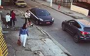 زورگیری از زنان در خیابان در روز روشن! + فیلم