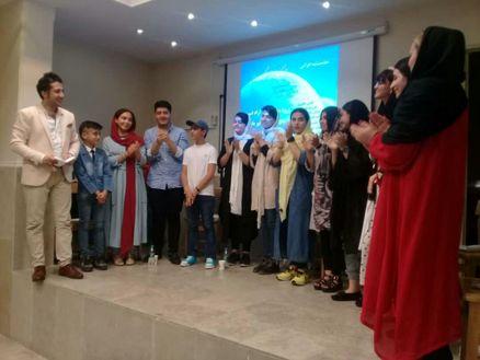اجرای نمایشنامه خوانی تاریکخانه تنگ