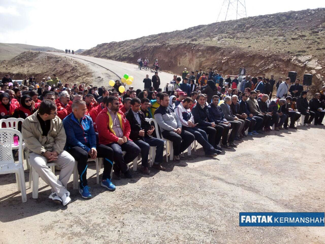 برگزاری همایش پیاده روی، دوچرخه سواری و نهال کاری در پارک جنگلی سراب قنبر به روایت تصویر