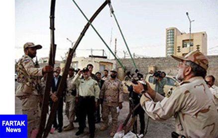 روش عجیب قاچاقچیان برای انتقال مواد مخدربامنجنیق در شرق ایران +عکس