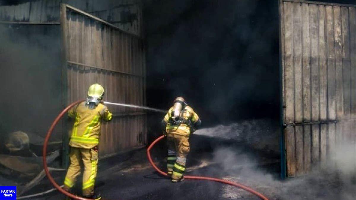 آتشسوزی انبار کالا در تهران ۲ مصدوم برجا گذاشت